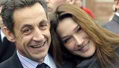 Sarkozy u tchána, rybář Zapatero. Státníci šetří na dovolených